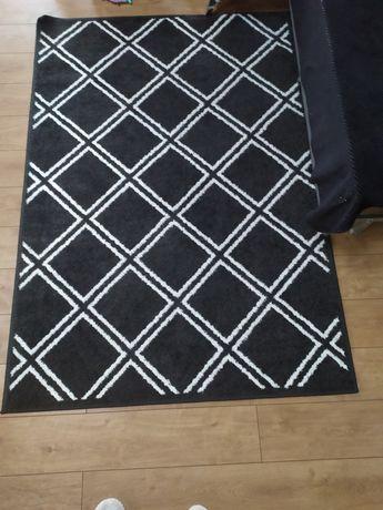 Duży dywan stan idealny