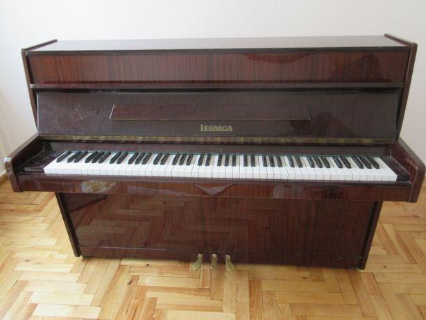 Pianino Legnica M100 C