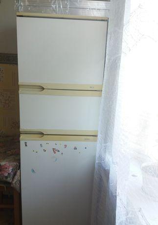 Продам холодильник на запчасти