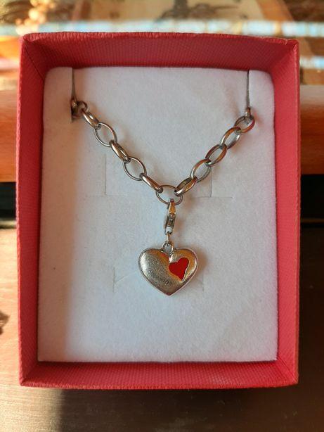Srebrny charms serce