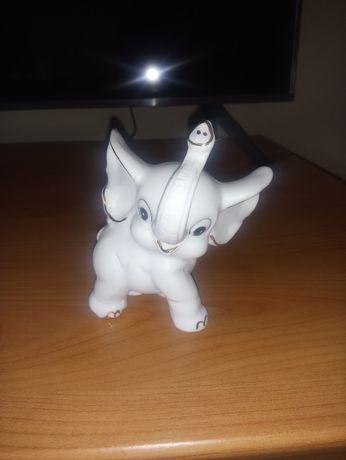 Figurka porcelanowa słoń