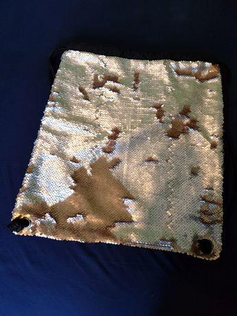 Torba - worek ze zmieniajacymi się cekinami (srebro-złoto)
