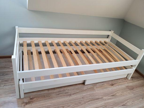 Łóżko piętrowe niskie białe z nowym materacem