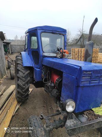 Продам трактор в дуже хорошому стані проблем ніяких немає все працює в