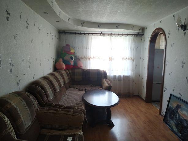 3ком. квартира в районе 4 школы и хитрого рынка с мебелью