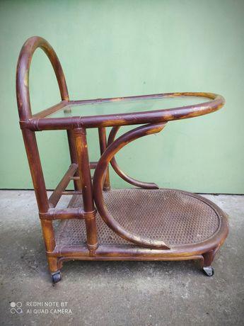 Stary drewniany barek na kółkach do renowacji Rattan Prestige