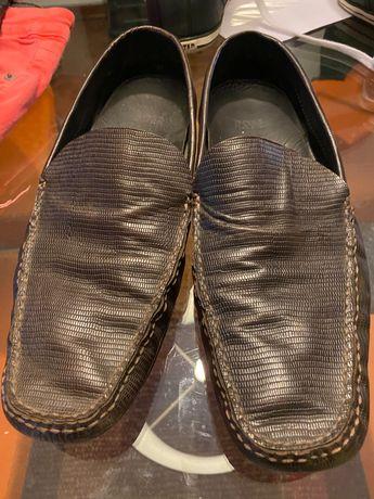 Sapatos da Hugo Boss número 42