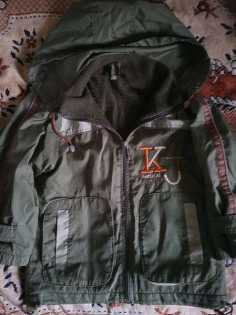Курточка ветровка на флисике 4-5 лет