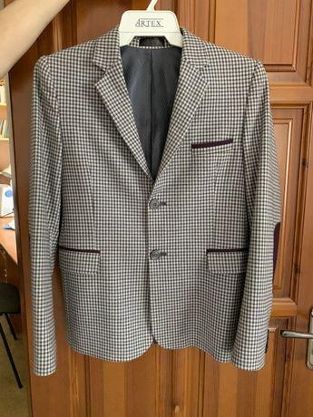 Пиджак школьный Новый 9-12лет (-40%)