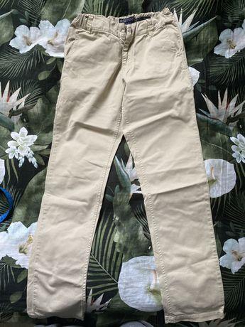 Spodnie NUKUTAVAKE dla chłopca na 140 cm.