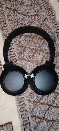 Навушники Philips