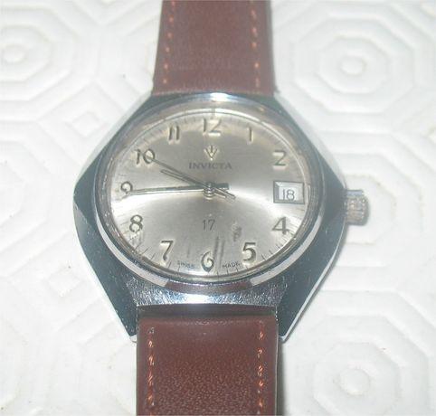 Relógio de Corda Invicta com Calendário