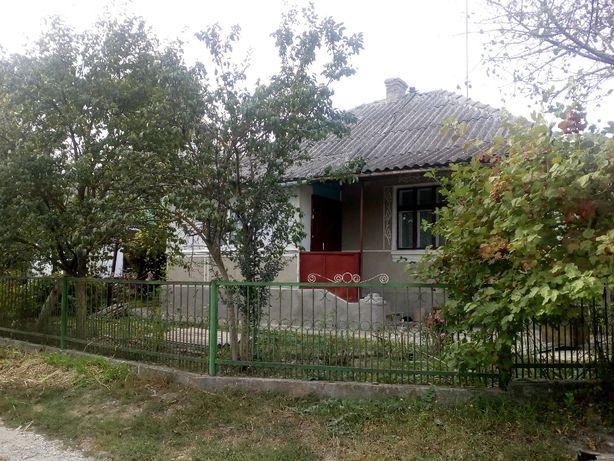 Продам будинок в смт.Гусятин