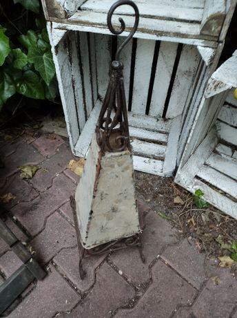 Stara mosiężna wyjątkowa lampa
