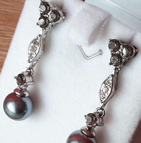 Kolczyki z czarną perłą 8mm i kryształami Swarovski