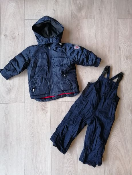 24. Kombinezon Baby Gap r. 92