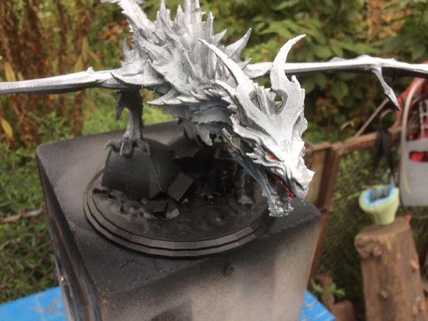 Дракон из игры Скайрим