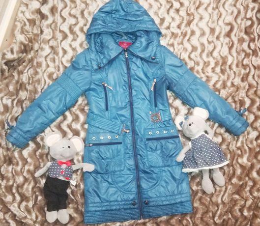 Осеннее пальто для девочки.