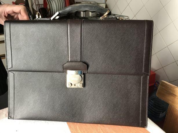 Продам портфель Бриони