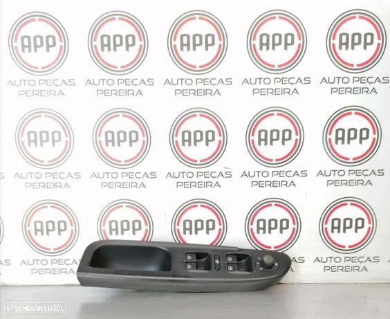 Módulo botões vidros eléctricos VW Passat 3C de 2008.