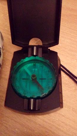 Kompas pryzmatyczny