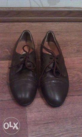 Продам фирменные детские туфли р-р 34 -35