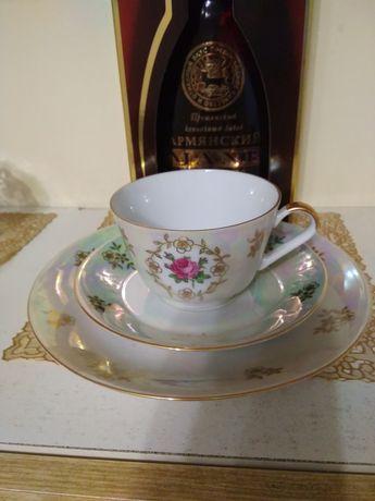 Чашечка с блюдцем и десертной тарелкой из немецкого фарфора