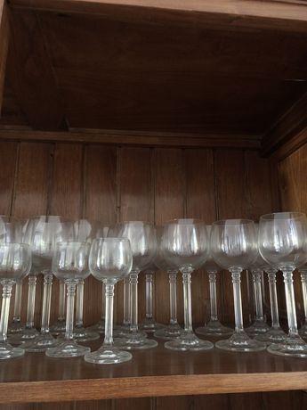 Coleção de copos de cristal