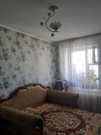 Продам 4х кімнатну квартиру вул. Крошенська , 8/9 цегла.