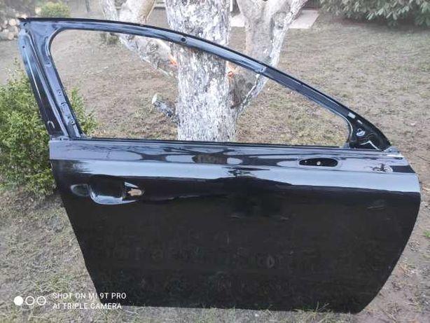 Błotnik drzwi Peugeot 508 rok 2015 czarny metalik