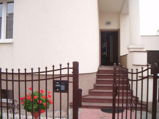 3 wolne pokoje w przestronnym mieszkaniu