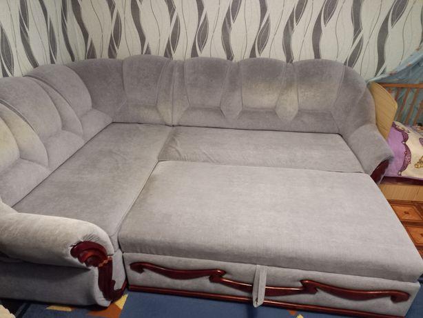 Продам Мягкий уголок и два кресла