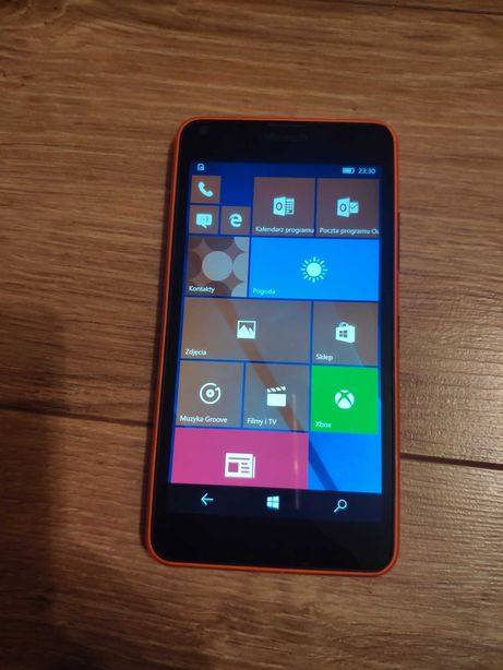 Telefon Microsoft Lumia 640 LTE + pokrowiec
