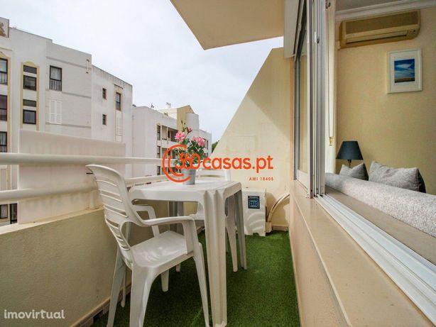 Apartamento T0 com garagem e arrecadação | Hilton, Vilamoura