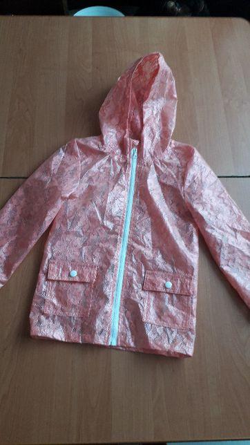 Оригинальный дождевик для девочки 7-8 лет из ткани под кружево.
