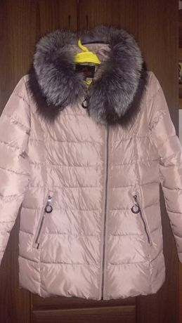 Зимний пуховик женский