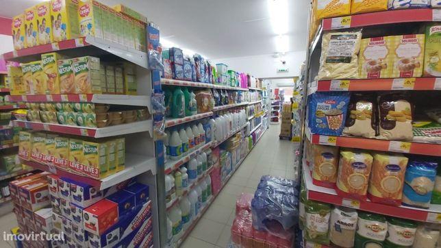 Vende-se Supermercado em Barcelos