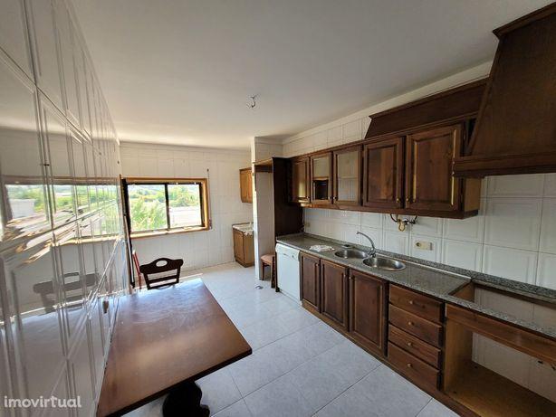 Apartamento T3+1 em ótimo estado, em Real