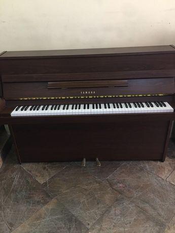 Piano vertical yamaha modelo 108 fabricado no japao esta impecavel