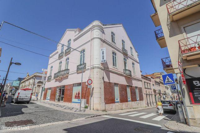 Trespasse da Residencial Central localizada nas Ruas Bernardo Lopes, 2