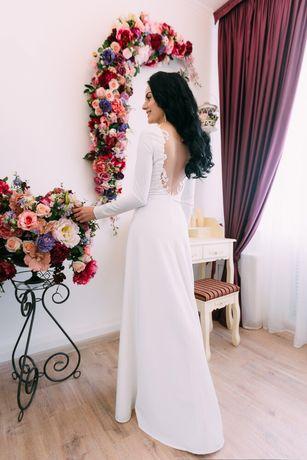 Продам свадебное платье. Индивидуальный пошив. Срочно!