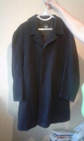 Продам фирменное мужское пальто р-р 52