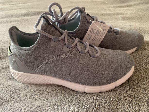 Продам новые кросовки Reebok