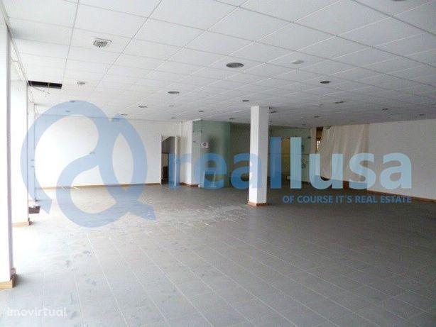 Prédio c/armazém e escritórios em Fornos, Aveiro, Excelentes condições
