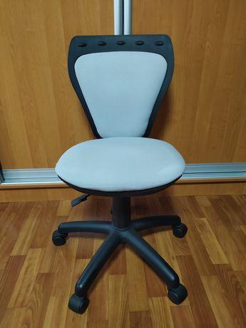 Детское кресло (для детской комнаты) стул