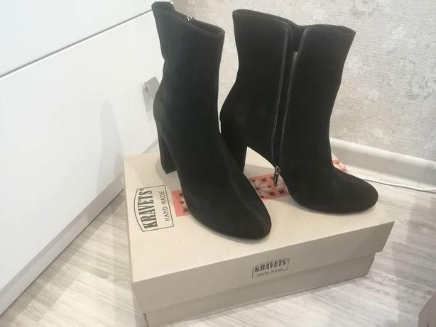 Замшевые ботинки Kravets
