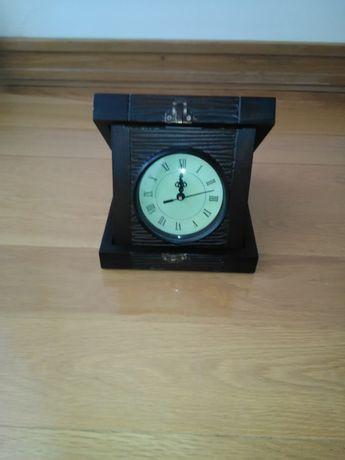 Caixa de madeira com Relógio