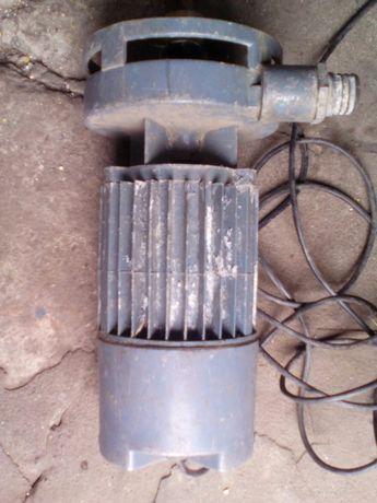 100Насос водяной центробежный