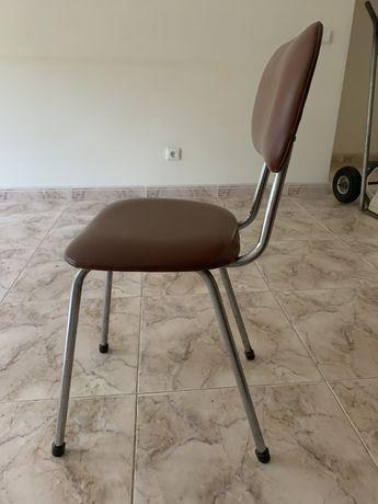 cadeira de mesa / secretária castanha