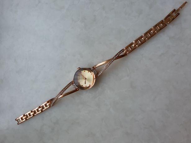 Часы женские Bijou Brigitte на подарок